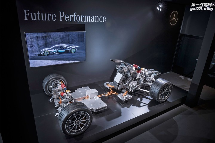 2019-mercedes-amg-project-one-powertrain-05.jpg