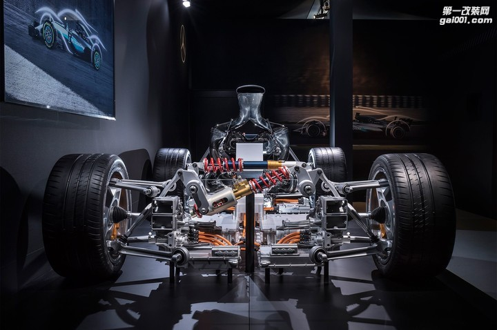 2019-mercedes-amg-project-one-powertrain-04.jpg